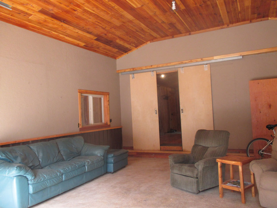 2 Bedroom Yaak Cabin for Sale